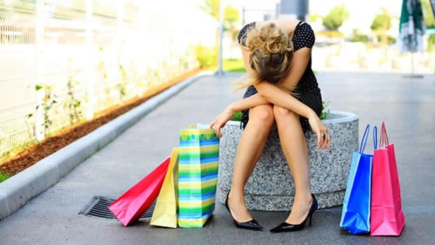 compras-comprar-shopping-estres-tristeza-compulsivo-therapy-triste-cansada