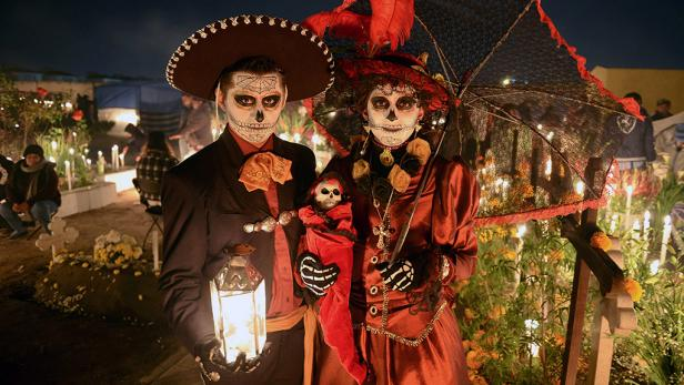 halloween-around-the-world-mexico.rend.tccom.616.347