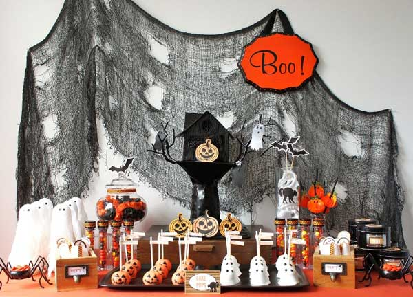 decorate-your-halloween-table