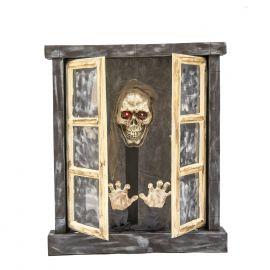 Ventana encantada con esqueleto